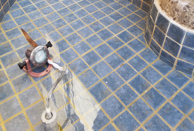 Fountain Tile Cleaning